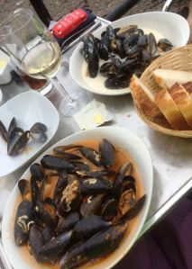Some fabulous tasty mussels were washed down with the crisp dry chilled white wine.